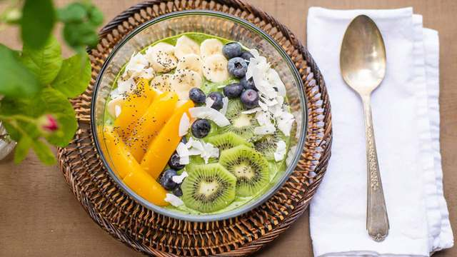 Simple recipes with superfoods for summer